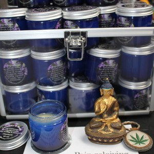 Lavender & Hemp are well known to be relaxing, anti inflammatory and antiseptic.